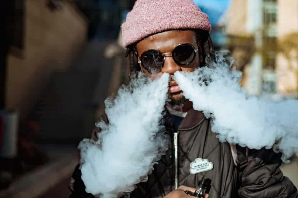 Rauch aus Nase