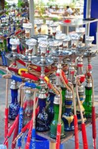 Shishas auf einem Markt
