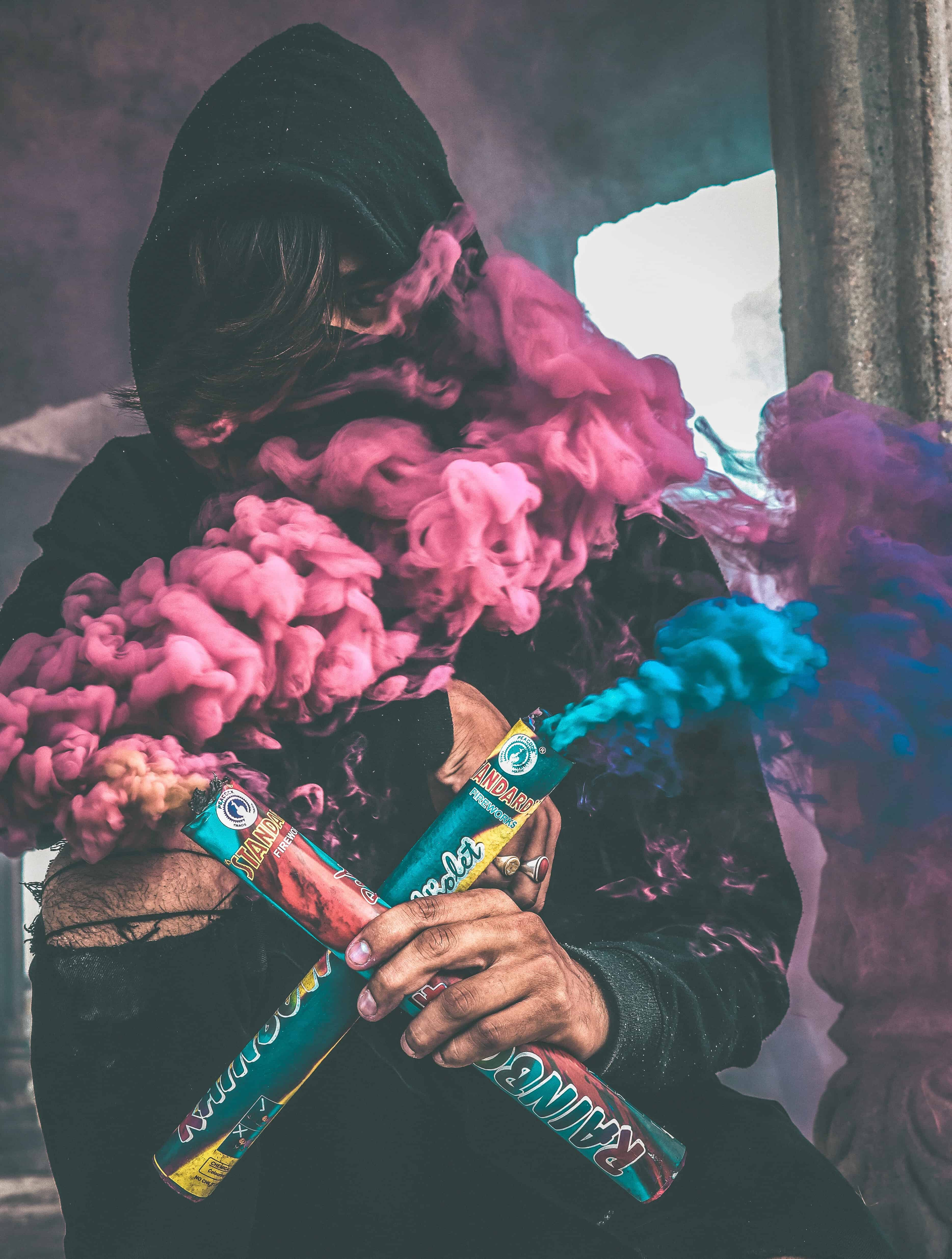 Mann mit Smoke