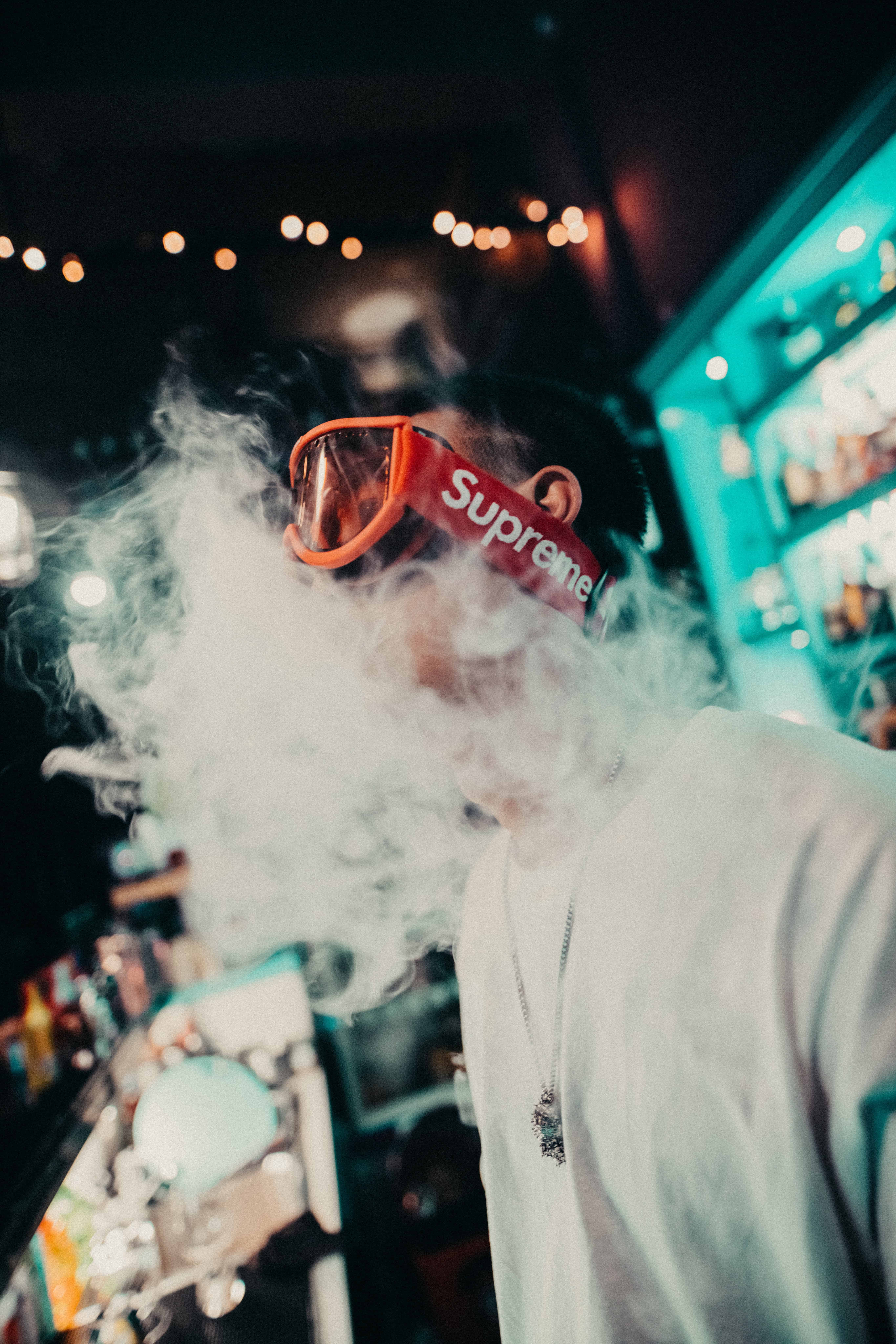 Junge Supreme Rauch